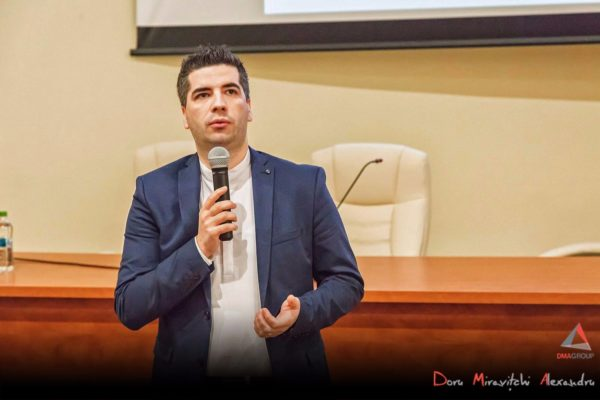 Serile JCI: Cum să faci bani din pasiune – cu Doru Miravitchi